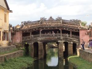 Japanese covered bridge (1590)