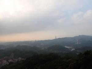 Taipei 101 skimtes i det fjerne...