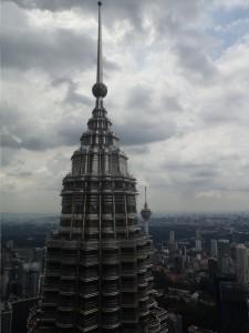 Toppen av tårn 2 av Petronas Towers