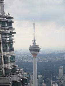 Menara KL sett fra Petronas Towers