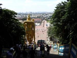Fra toppen, Kuala Lumpur i bakgrunnen