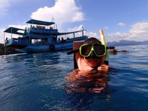 Aleksander på snorkeltur