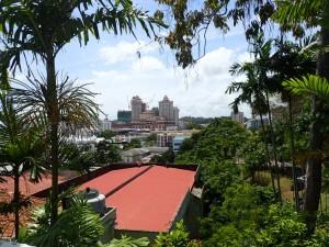 Utsikt over byen fra høyden Bukit Puteri
