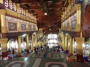 Fra inngangshallen til pagodaen